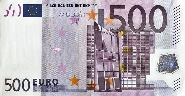 pět set eur